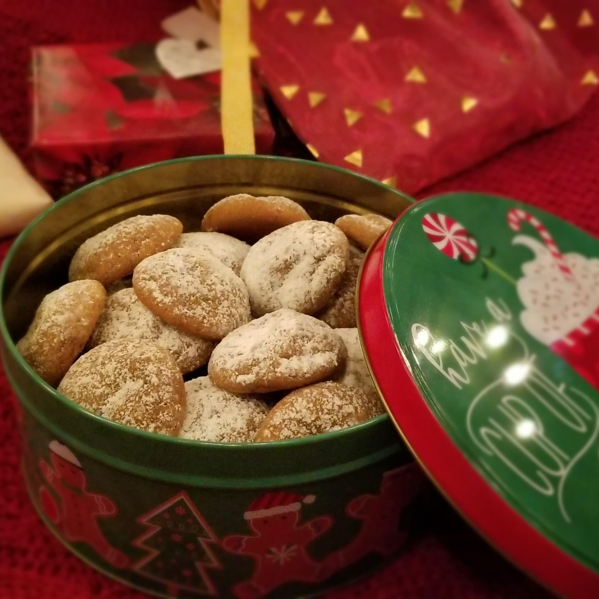 Pfeffernüsse Cookies (Chewy German Spice Cookies)