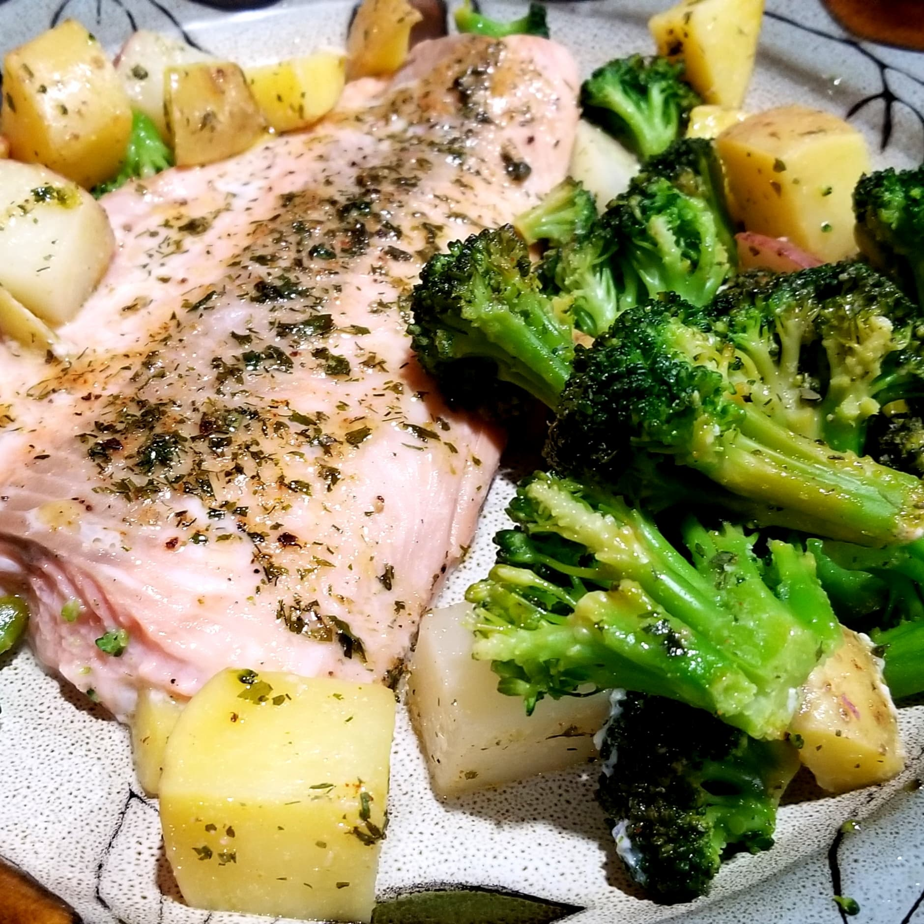 One-Pan Salmon And Veg